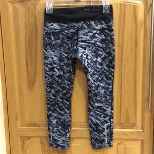 Nike Pants - Nike capri leggings
